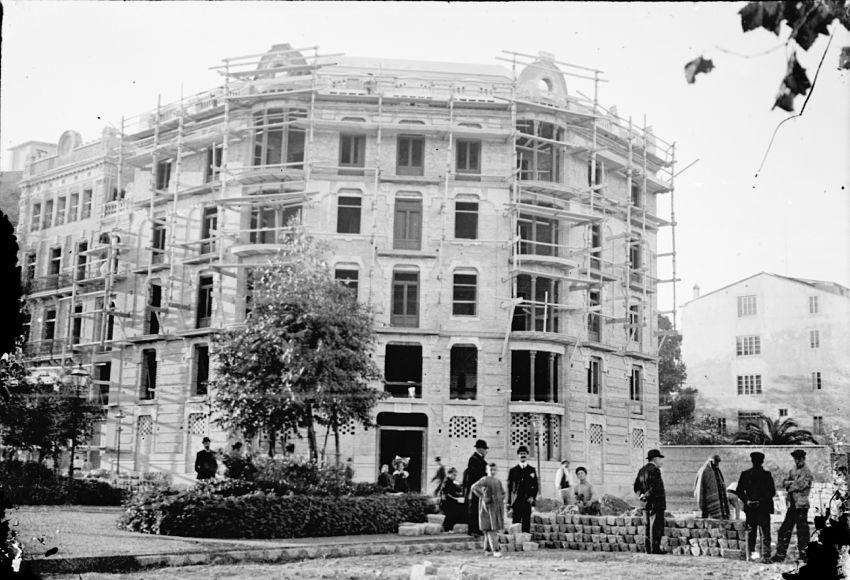 edificio histórico aguas de valencia